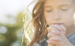 10 простих способів наблизити дітей до Бога