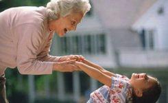 Ватиканський дипломат: Родинні зв'язки – запорука захисту літніх людей